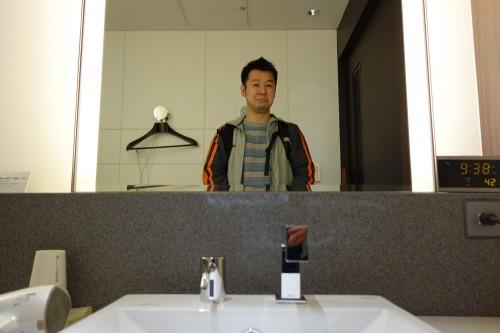 ラウンジのシャワー室で