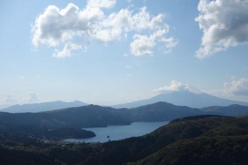 富士山には雲が!