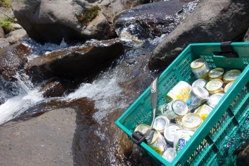 川でビールを冷やそう!