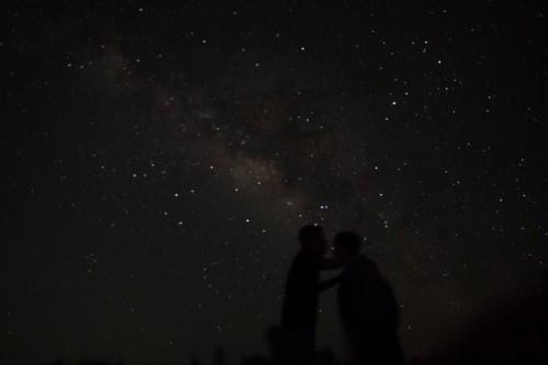 星空の下でキス