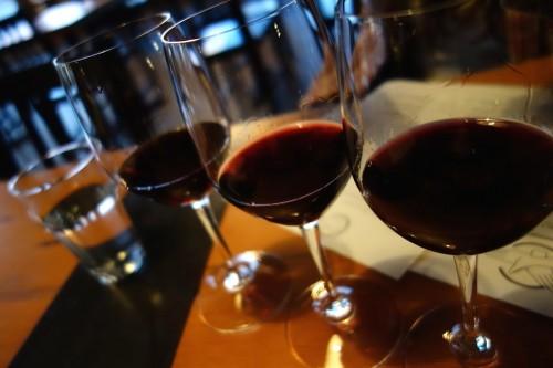 ワインの飲みくらべ