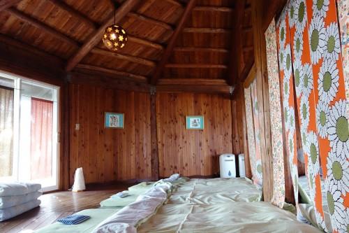 寝室となった部屋(昼)