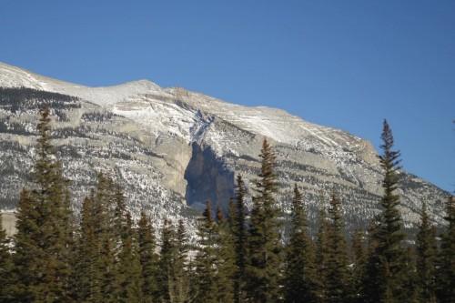 不思議な岩山