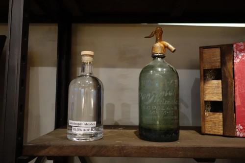 加水していないアルコールと蒸留器