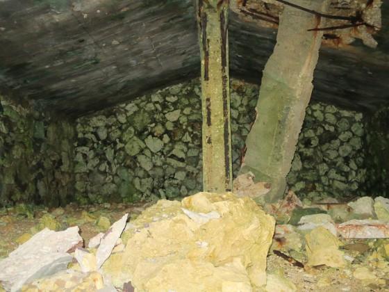 燐鉱採掘場跡 3