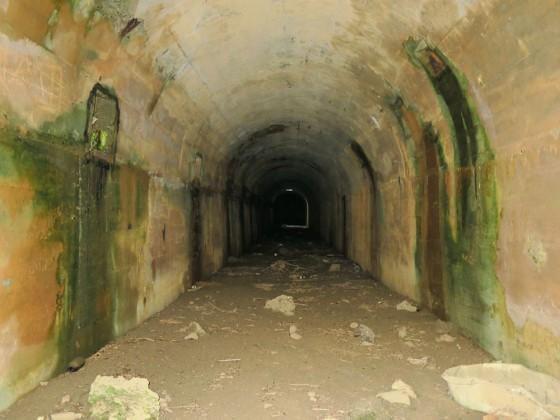 トロッコのトンネル!