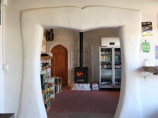 暖炉とビール