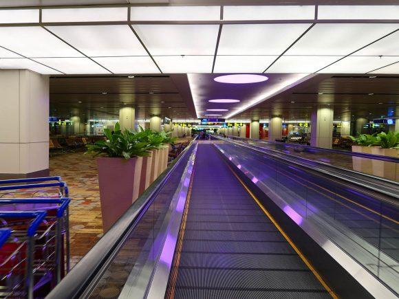 シンガポール チャンギ国際空港の通路