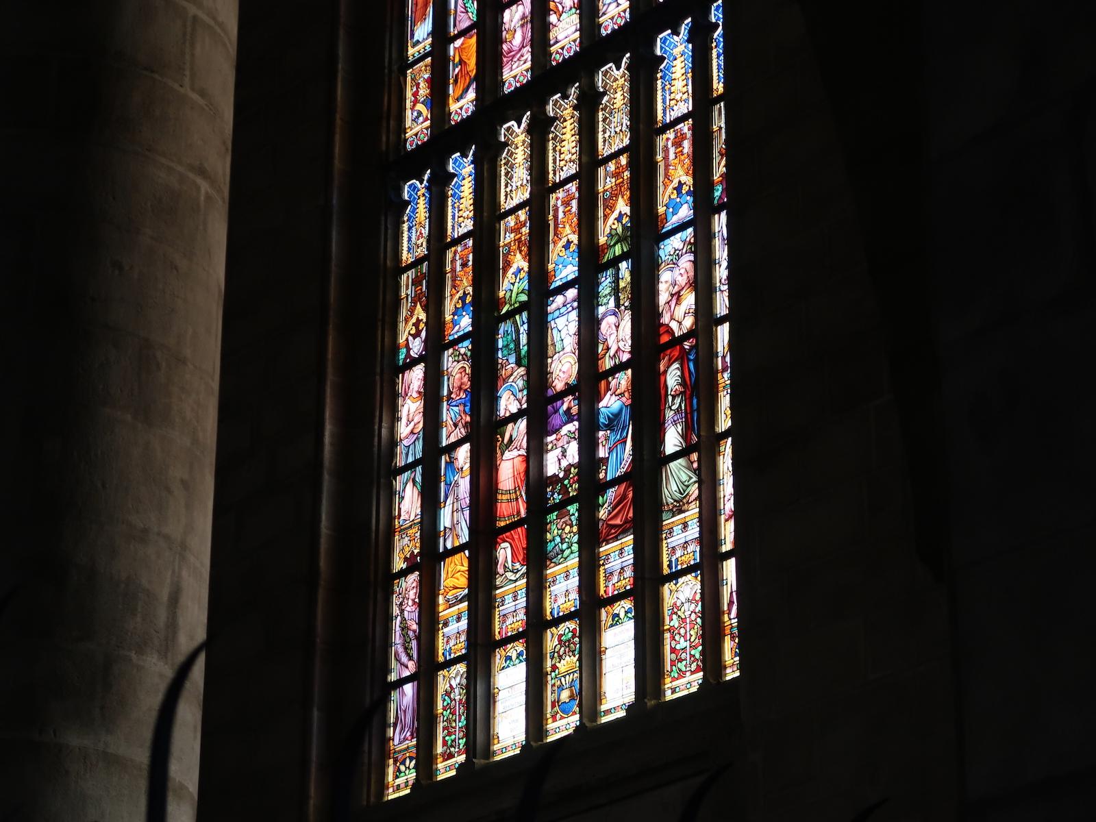 聖バルトロムニェイ聖堂 ステンドグラス
