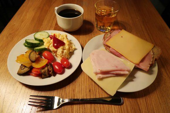 モザイクハウスの朝食