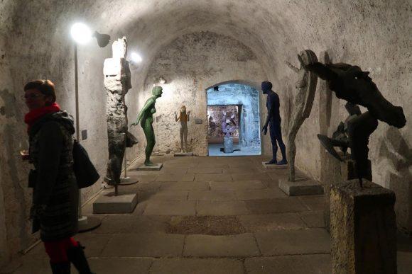 彫刻家 オルブラム・ゾウベクの作品