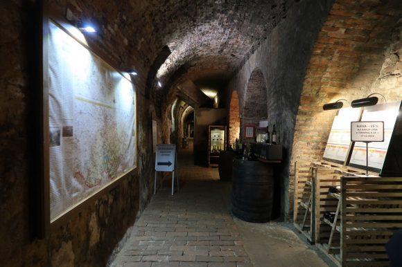 国立ワインセンター ワインセラー入口