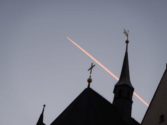 教会と飛行機