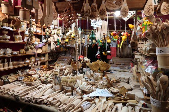 木のキッチン用品店