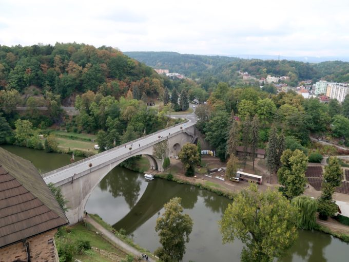 ロケトに渡る橋