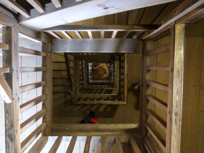 ロケト城の階段