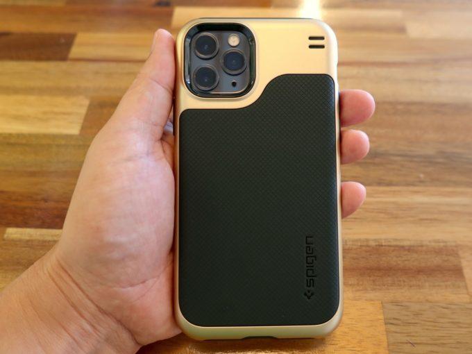 iPhone 11 ProのスマホケースはやっぱりSpigenがオススメ
