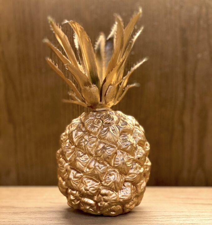金のパイナップル